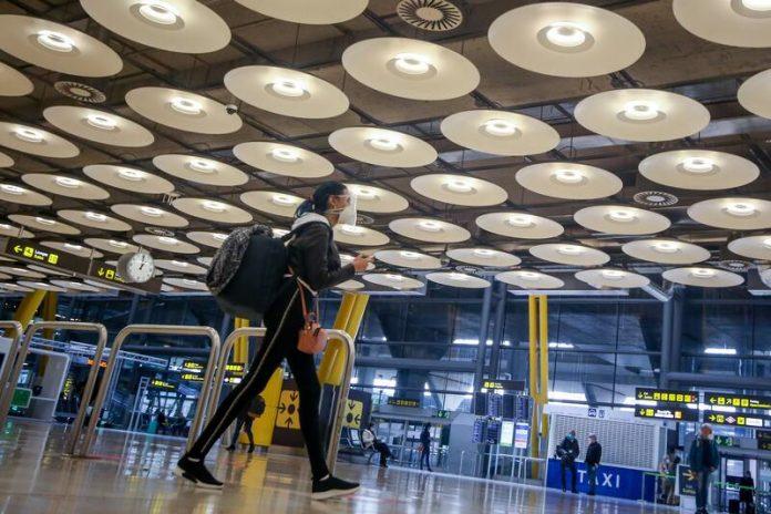 Agencia de viajes devolver madrileño
