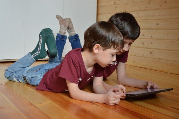 Reclaman programas formativos para los menores